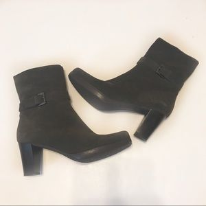 La Canadienne Kian Brown Suede Zip Boots Sz 9.5